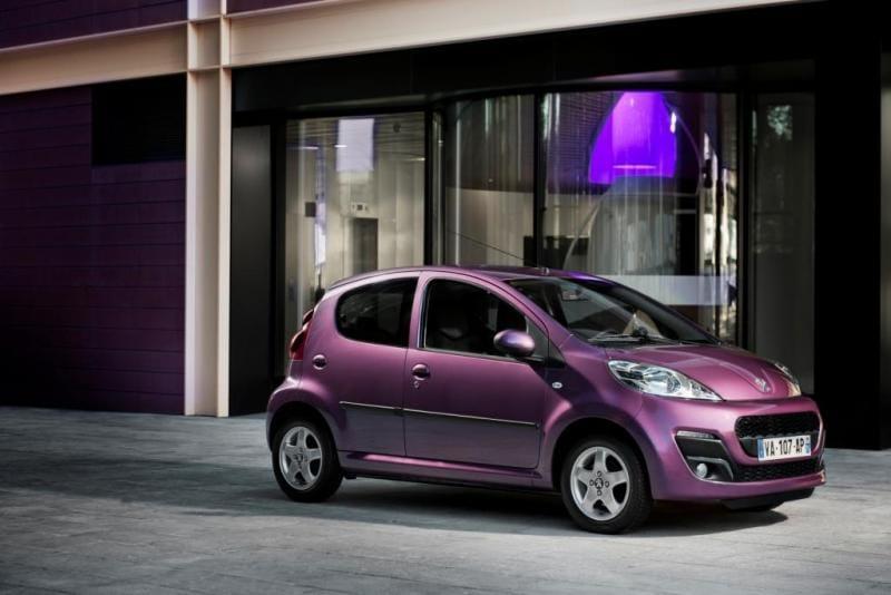 Peugeot vyjíždí s městskou 107 v omlazeném designu