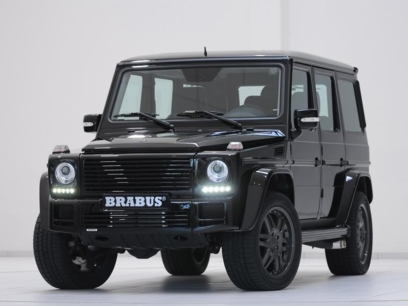 Mercedes-Benz G Brabus v metru? To se může stát jen v Moskvě