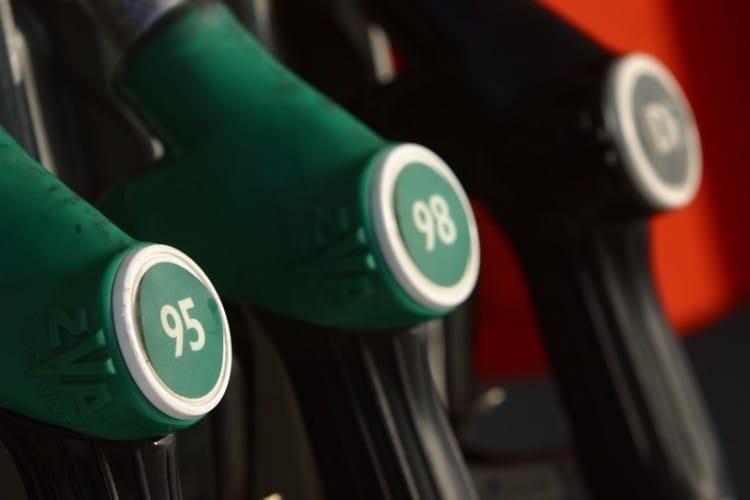 Benzin a nafta jsou nejdražší v historii. A dál zdražují