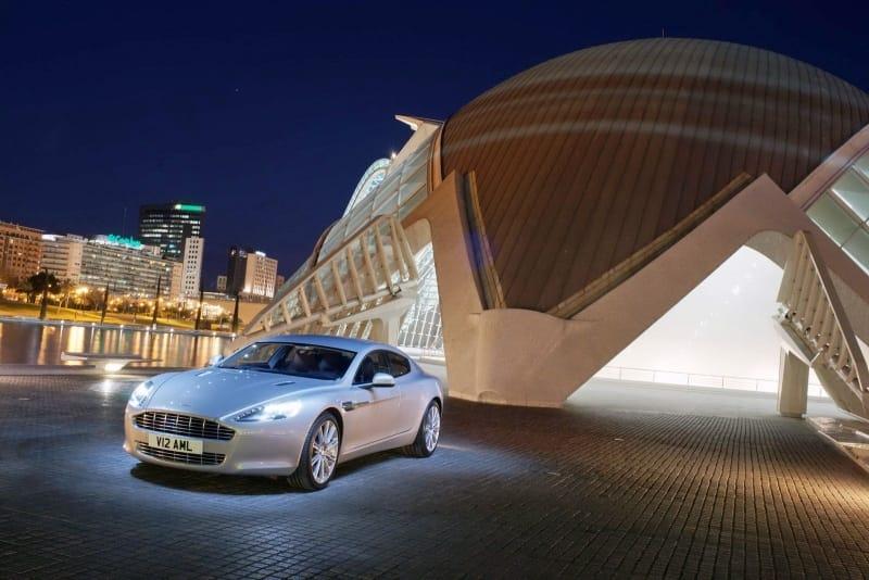 FOTOGALERIE: Aston Martin Rapide do posledního detailu