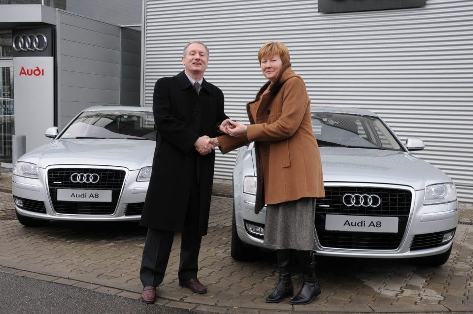Audi A8 bude vozit politiky na summitu EU v Praze