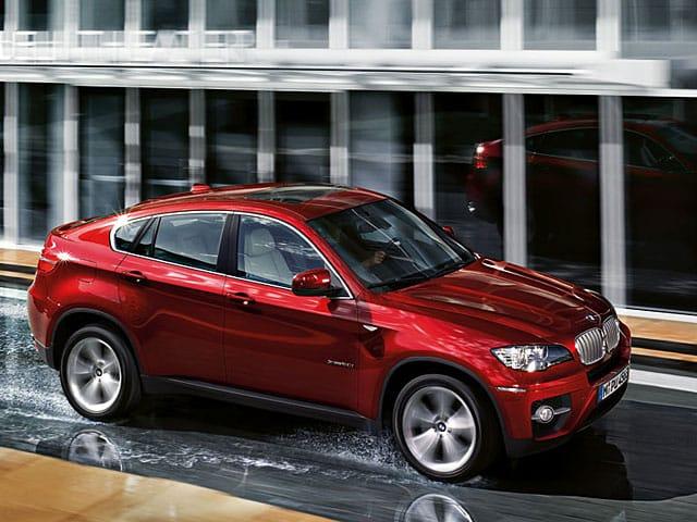 Kříženec kupé s SUV BMW X6 vyjel na český trh