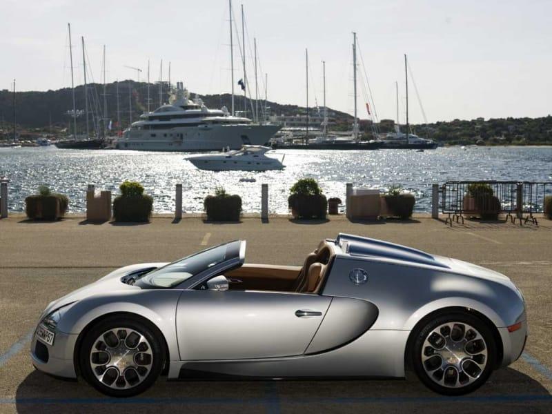 OBRAZEM: Bugatti Veyron 16.4. Grand Sport na scéně