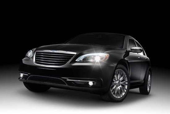 Chrysler 200: obroda automobilky začíná s novým sedanem