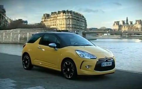 VDIEO: Citroën DS3 si užívá centrum Paříže