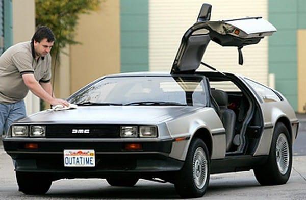Před dvaceti lety: DeLorean DMC–12 se vrací do budoucnosti
