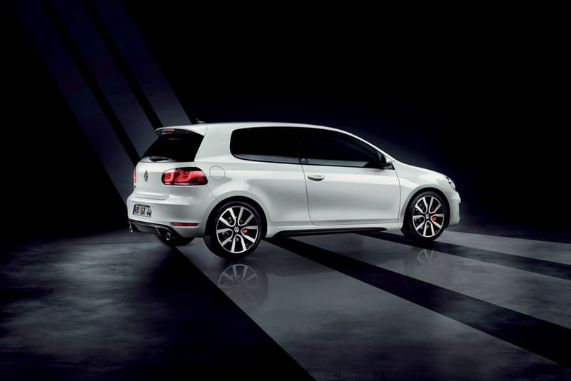 Volkswagen Golf GTI Adidas: značkový ohoz pro klasika