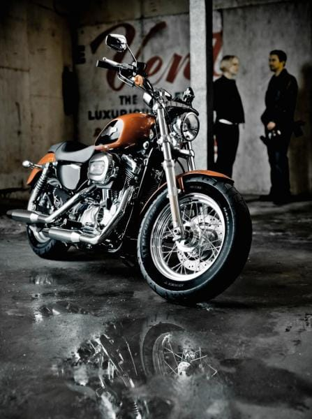 Harley-Davidson 1200 Custom s novou, hrdou tváří