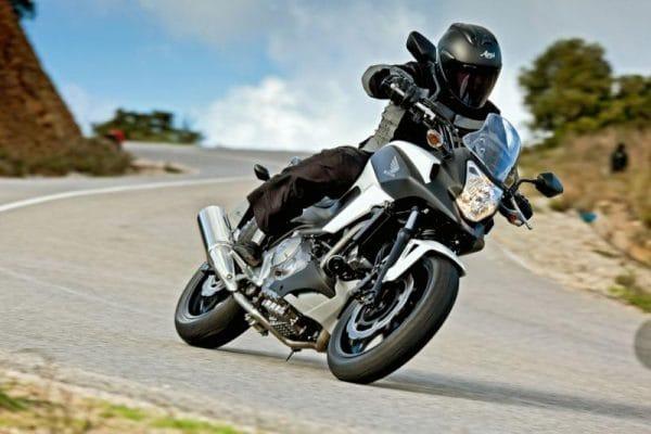 Honda NC700X: zábava a praktičnost v jednom balení