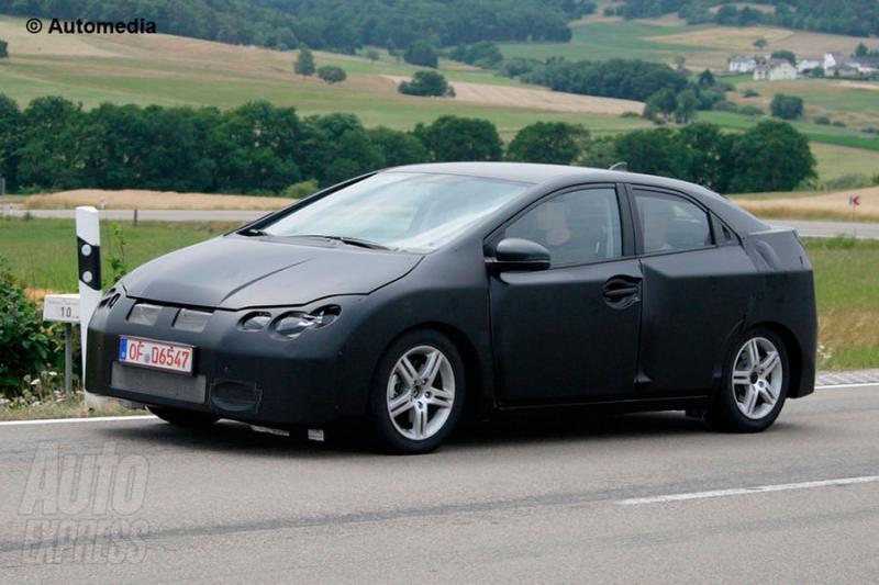 Špionáž: Honda Civic po deváté aneb pozvánka do Ženevy 2011