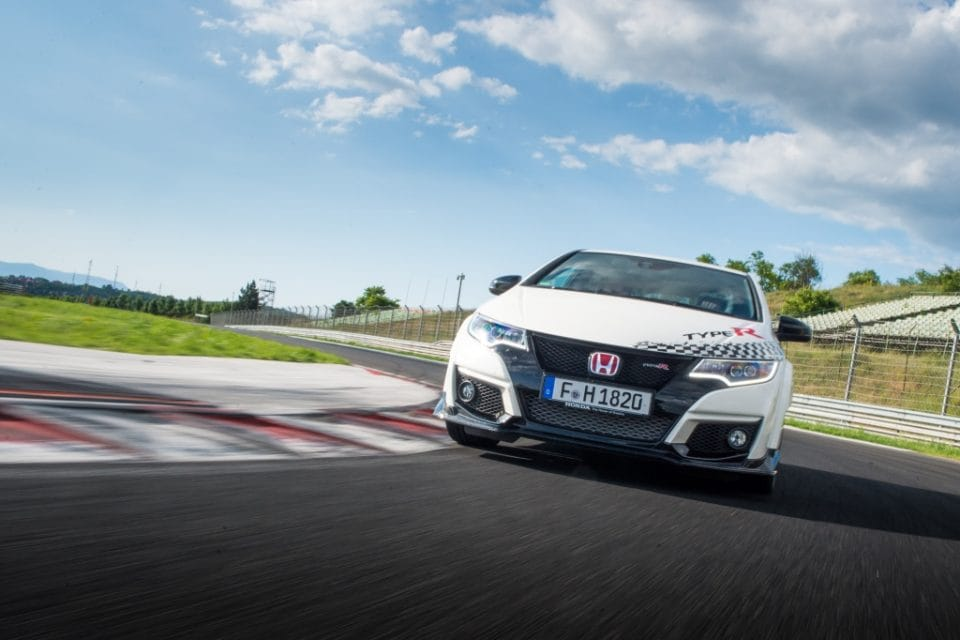 Sériová Honda Civic Type R přepsala rekordy na 5 okruzích po Evropě