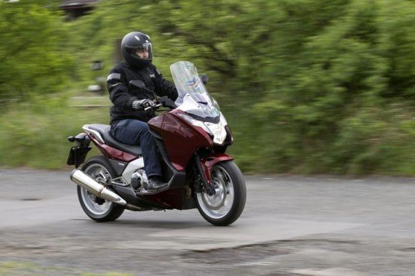 Honda Integra: skútr s duchem motorky v testu
