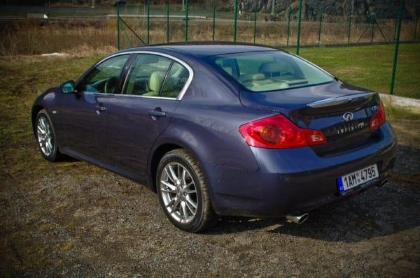 Infiniti G dostane benzínový čtyřválec z dílny Mercedesu-Benz