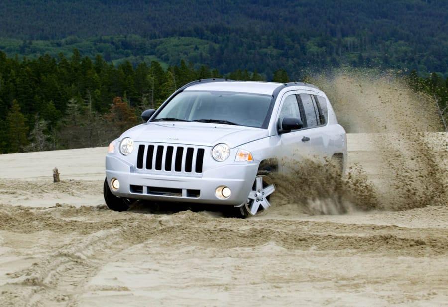 Jeep Patriot a Compass dostanou nový interiér