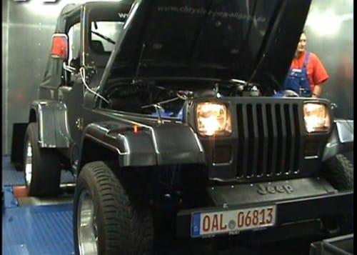 VIDEO: Jeep Wrangler dostal desetiválec Viper SRT10