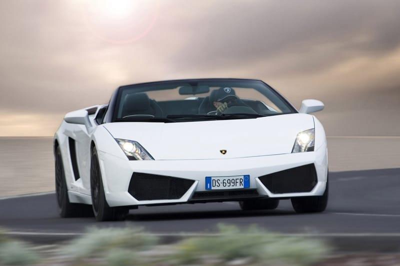 OBRAZEM: Lamborghini Gallardo LP560-4 Spyder žluté i bílé