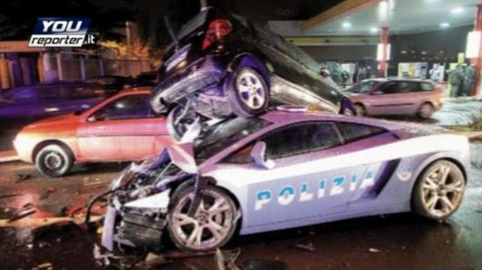 Italská policie při nehodě přišla o Lamborghini Gallardo