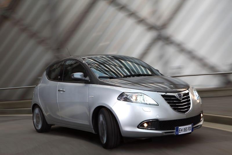 Lancia Ypsilon přichází v nové generaci: první informace a fotky