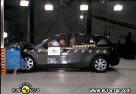 VIDEO: Mazda 3 dostala 5 hvězdiček od Euro NCAP