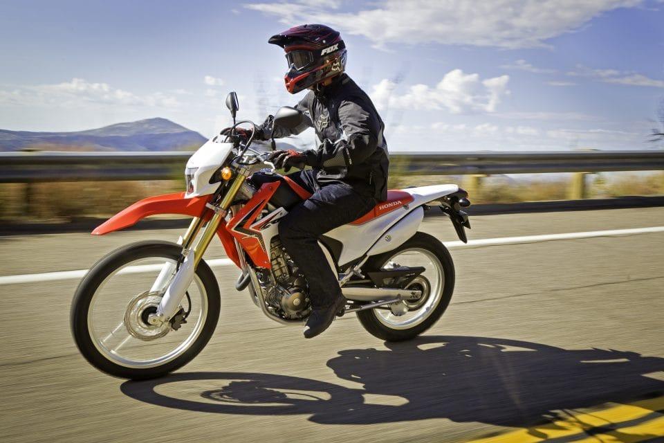 Honda představila model CRF250L, do Evropy dorazí v létě