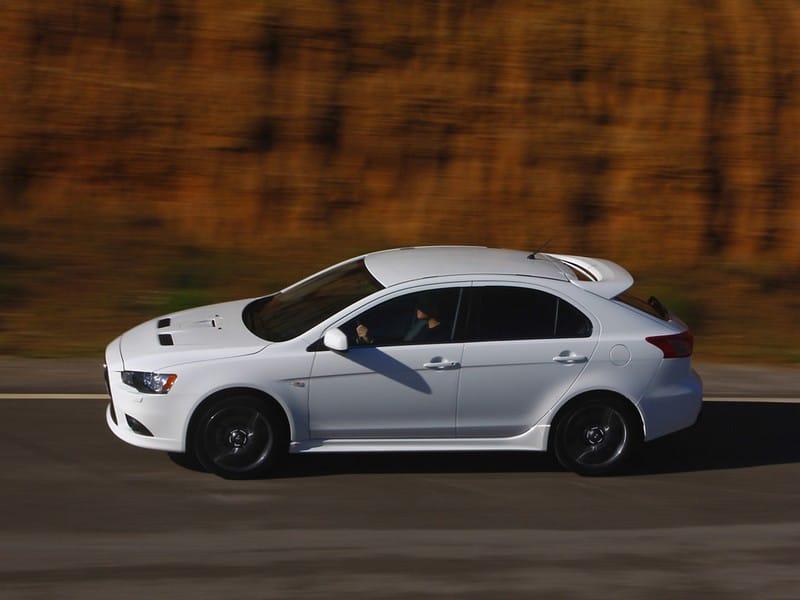 Mitsubishi Lancer Sportback: Ve stopách Imprezy