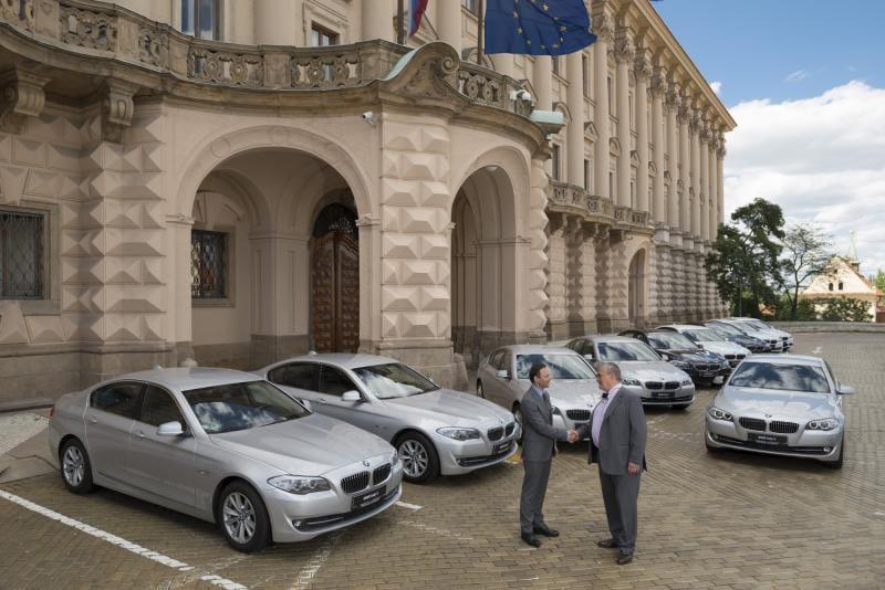 BMW ve službách Schwarzenberga: nová auta pro Ministerstvo zahraničí
