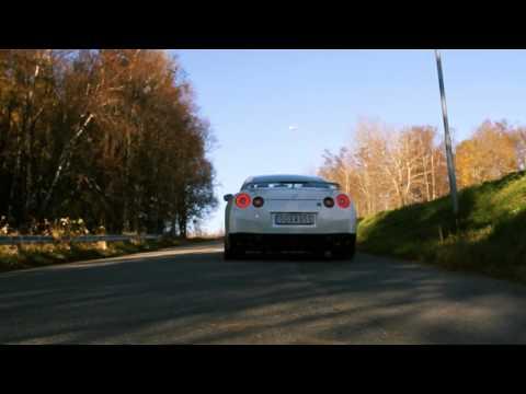 VIDEO: Dítě řídí Nissan GT-R!