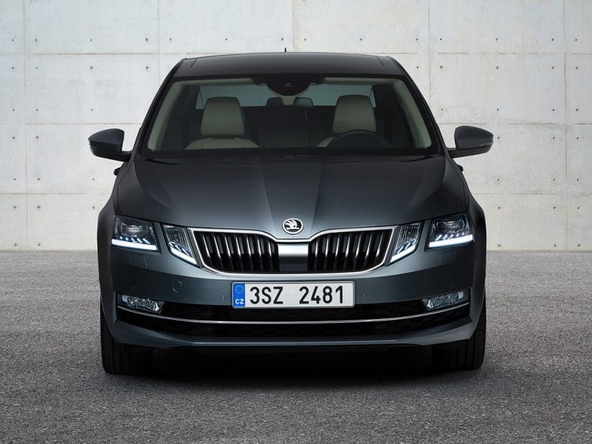 Škoda Octavia dostane výrazný facelift. Čtyři světla budí vášně