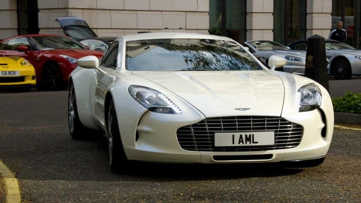 Aston Martin One-77 v hodnotě  35 milionů korun se představil veřejnosti