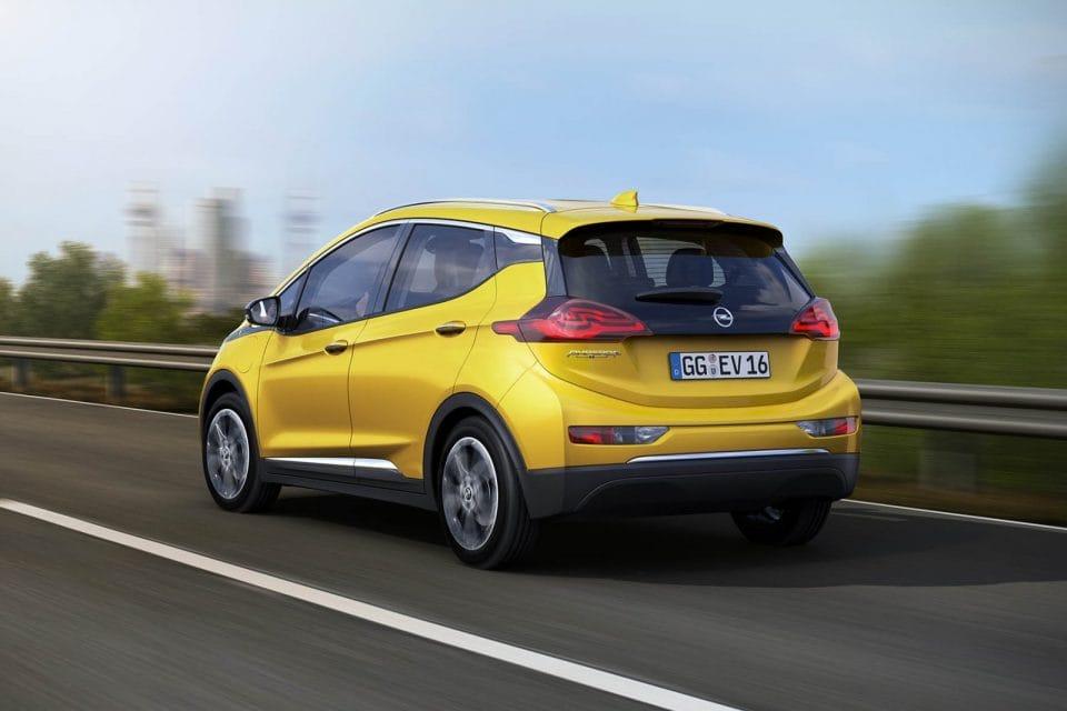 Opel: 29 nových aut do roku 2020, mezi nimi elektromobil Ampera-e