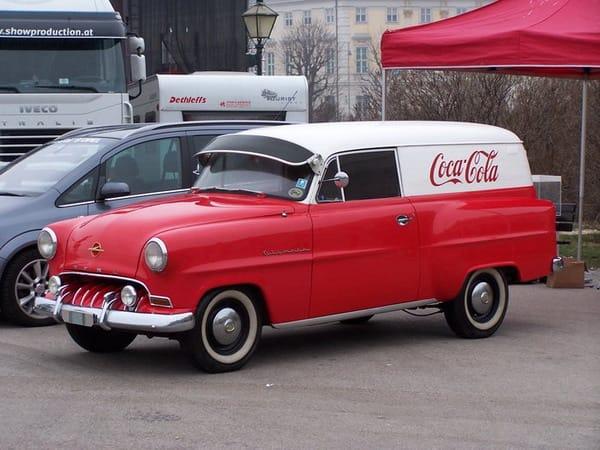 Coca-Cola ve Vídni oživila 55 let starý Opel