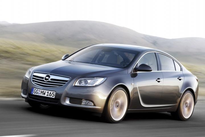 Opel Insignia nabídne deset motorů i aktivní podvozek