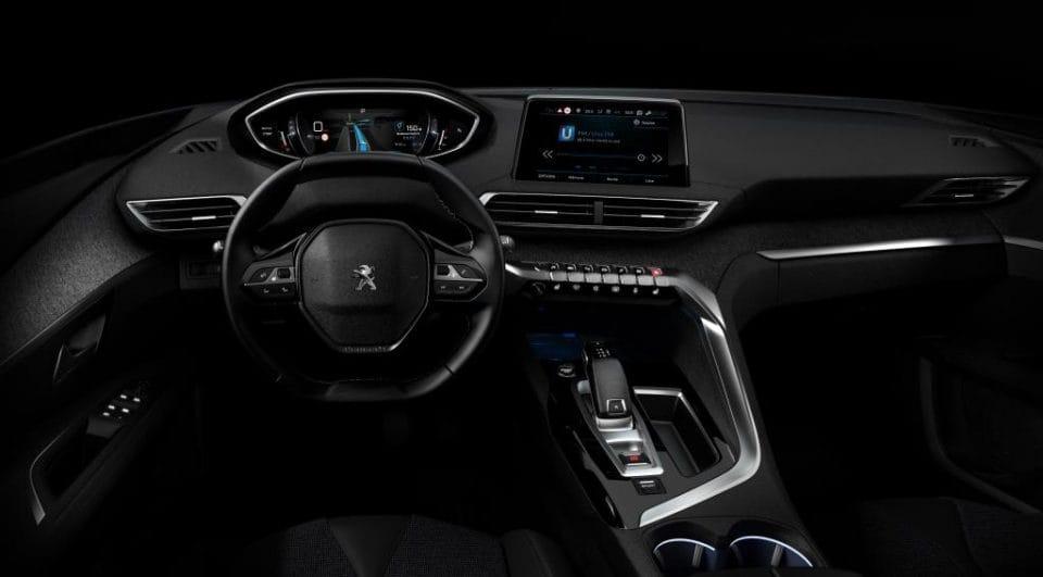 Peugeot má novou futuristickou kabinu pro svá auta: i-Cockpit
