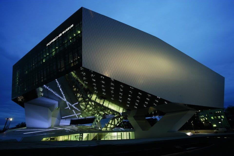 Porsche otevírá muzeum ve Stuttgartu. Velkolepé a reprezentativní