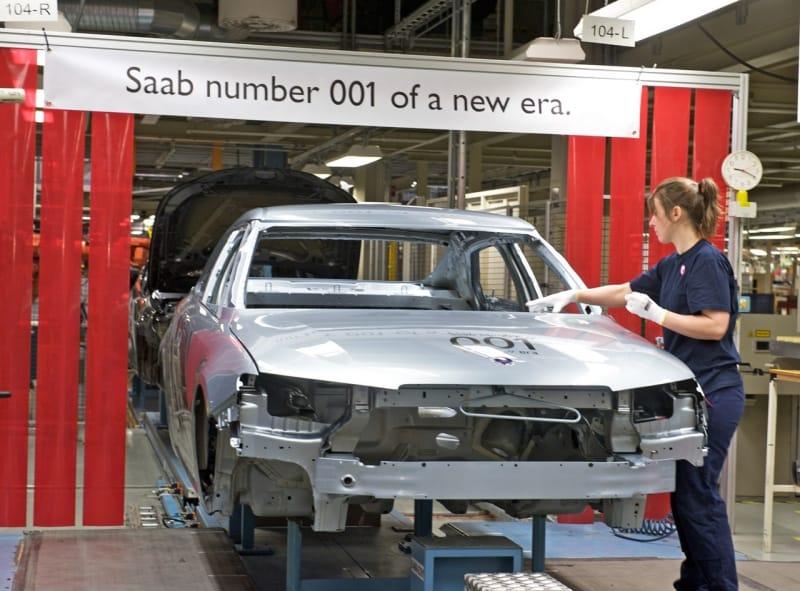 Znovuzrození: Saab spustil výrobu, první vyjel 9-5