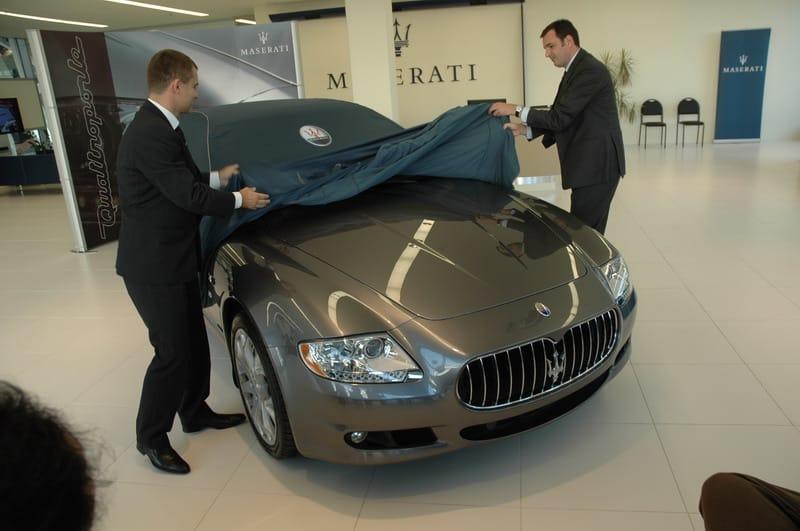 Maserati odhalilo nový showroom i Quattroporte S