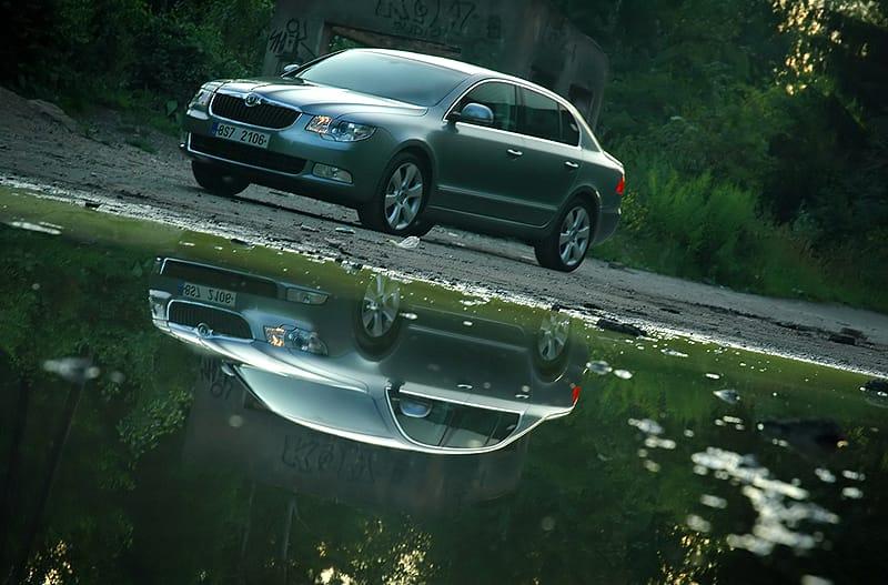 Škoda Superb: Auto roku v osmi zemích Evropy