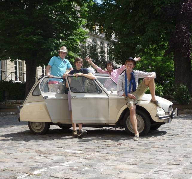 Studentská rallye Citroënů 2CV na trase Paříž – Istanbul – Paříž