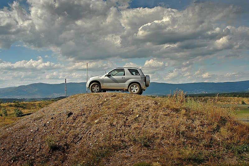 Suzuki Grand Vitara 1.9 DDiS 3dv: do města a do terénu