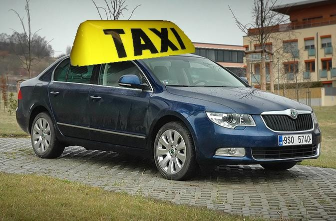 Nejlepší auto pro francouzské taxikáře je Škoda Superb