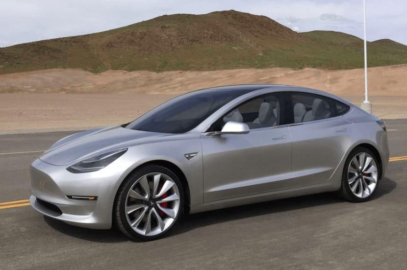 Nové fotky: Tesla Model 3 v Nevadské poušti