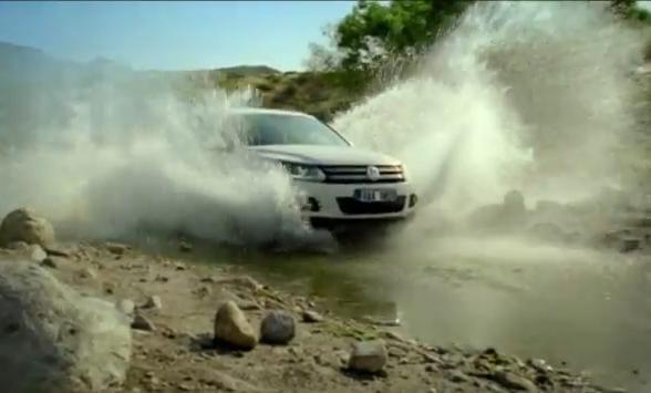 VIDEO: Volkswagen Tiguan vás baví, i když trpíte. Alespoň v reklamě