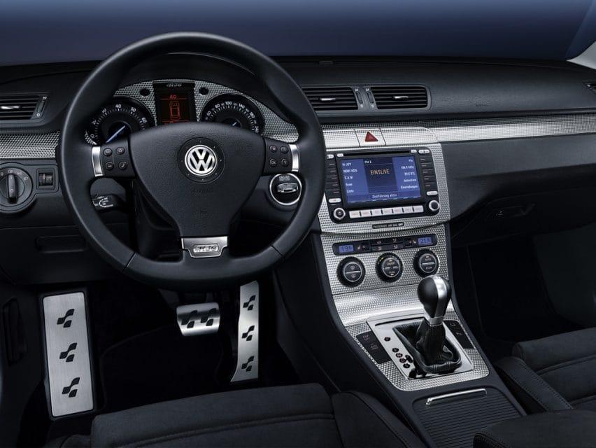 Nejrychlejší Volkswagen Passat R36 staruje na českém trhu
