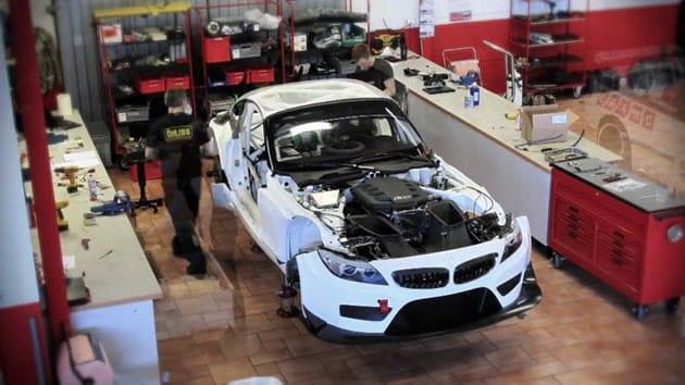 VIDEO: Skládačka za 7,5 milionů korun? BMW Z4 GT3