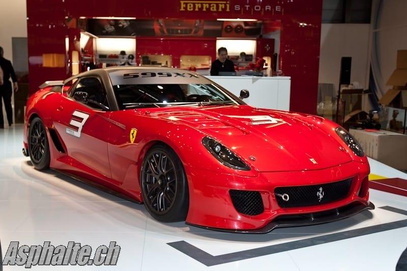 První den v Ženevě: nové Bugatti, Infiniti i Ferrari