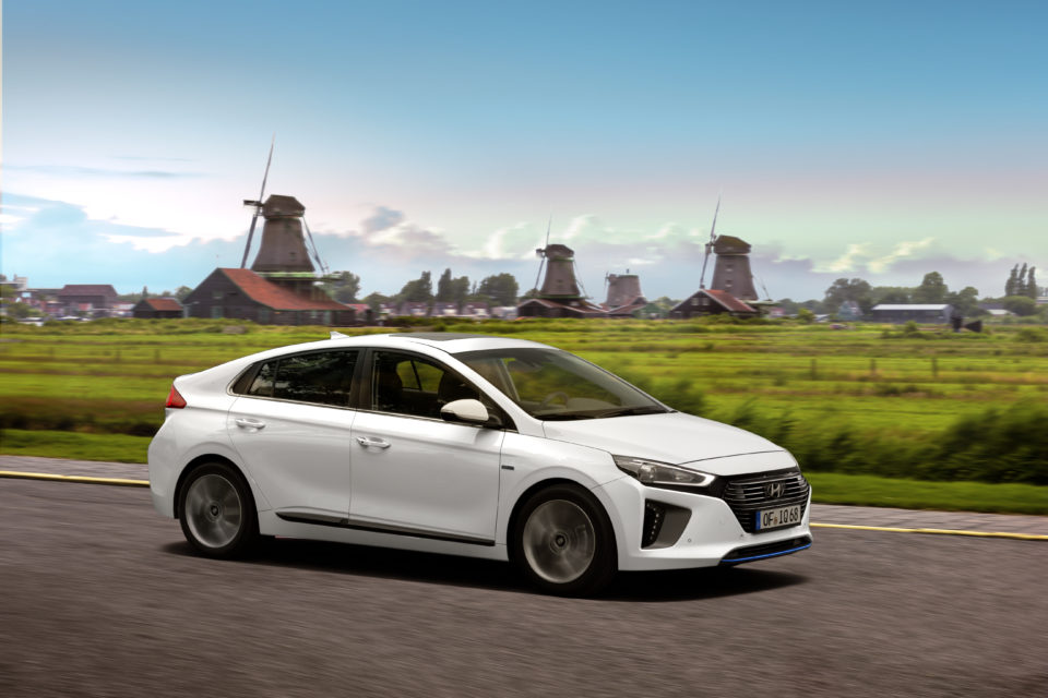 Test auta: Hyundai Ioniq Hybrid — vstup do éry elektrifikace