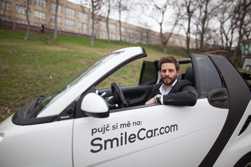 HoppyGo definitivně pohltil SmileCar. Největší český carsharing půjčuje tisíc aut