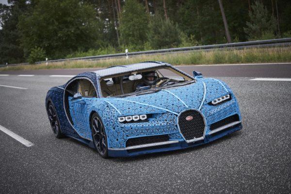 Bugatti Chiron z Lega: postavili ho v Česku a jede 30 km/h