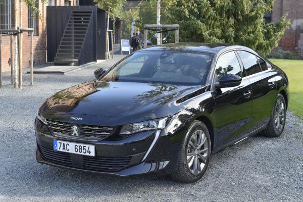 První dojmy: nový Peugeot 508 je živou vodou střední třídy