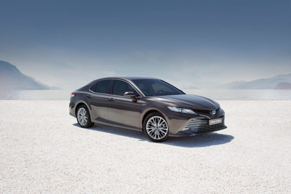 Toyota Camry se vrací do Evropy. S jediným motorem